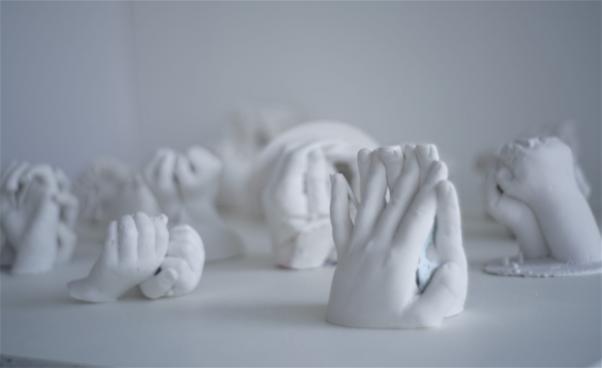 Gipsskulpturer av händer