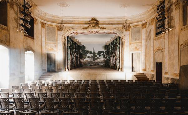 Scenen och salongen